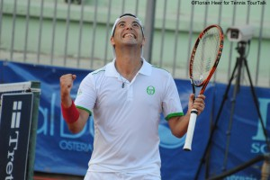 Albert Montanes capitalized on his match point