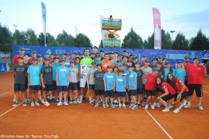 Albert Montanes beat Potito Starace in last year's final