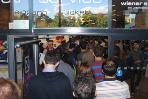 Queue in front of the ticket office at Vienna Stadthalle