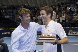 Tommy Robredo claimed his 500th win on the ATP World Tour