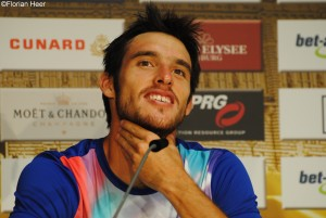 Leonardo Mayer answered the questions in Spanish