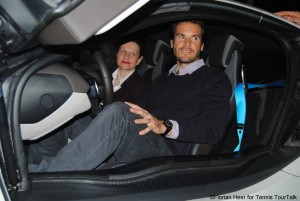 Tommy Haas also had a look inside the car