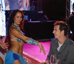 Andy Murray had a special encounter with a belly dancer in Dubai (photo: DDFtennis)