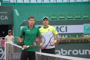 Pablo Carreno-Busta and Carlos Berlocq were first up on centre court (photo: GP Hassan II)