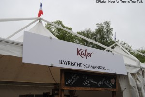 Spectators can chose from different catering offers - here traditional Bavarian food