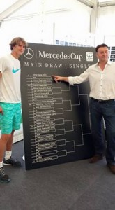 Alexander Zverev attended main draw ceremony in Stuttgart, here together with tournament director Edwin Weindorfer (photo: Mercedes Cup)