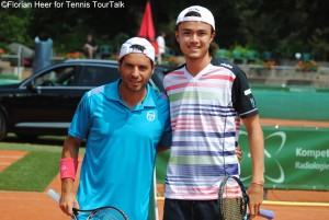 Albert Montanes took on Taro Daniel for the first time on the tour