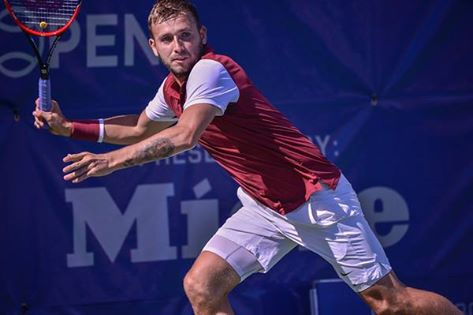 Dan Evans makes an unexpected return to the British Davis Cup team
