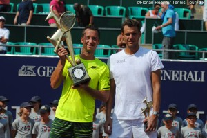 Kohlschreiber defeated Mathieu for the fourth time in their fifth tour meeting