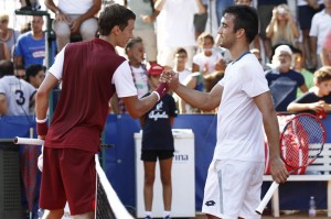 Kuznetsov and Giustino shaking Hands after the match (photo: Felice Calabro)