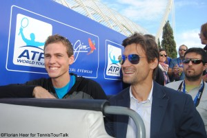David Ferrer and Vasek Pospisil enjoy the bus tour