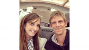 Kevin Anderson with his wife Kelsey on their way to Abu Dhabi on Monday (photo: twitter)
