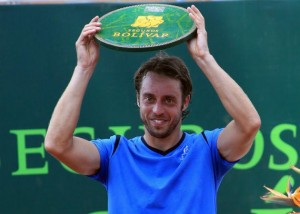 Paolo Lorenzi with the trophy in Pereira