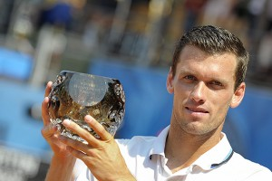 Tobias Kamke with his 7th Challenger title