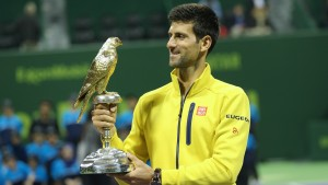 "Novak Djokovic with his ""Falcon trophy"" (photo: QTF)"