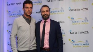 Tournament director Erhan Oral with top-seed Roberto Bautista Agut (photo: Sofia Open)