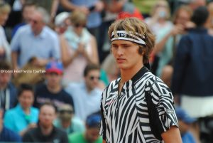 Alexander Zverev reaches the third round at Roland Garros