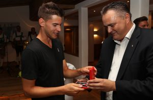 KITZBUEHEL,AUSTRIA,20.JUL.16 - TENNIS - Dominic Thiem and sports minister Hans Peter Doskozil photo: GEPA pictures/ Andreas Pranter)